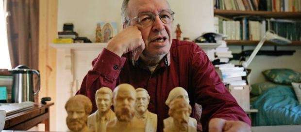 O escritor Olavo de Carvalho faz duras criticas a Ricardo Vélez que indicou para o ministério. (Arquivo Blasting News)