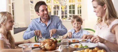 Un buen ambiente en el comedor ayuda a las familias a alimentarse mejor.