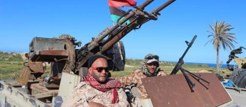 Guerra in Libia: primi scontri a dieci chilometri da Tripoli