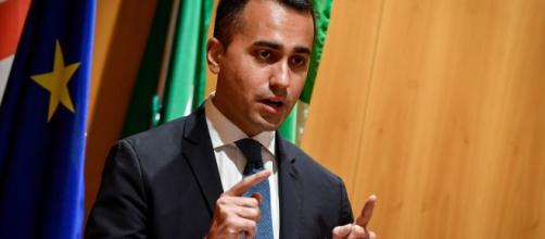 Di Maio vuole sgomberare campi rom e Casapound