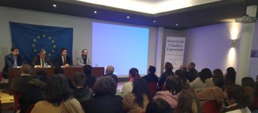 Auditório cheio em Esposende no evento da Associação