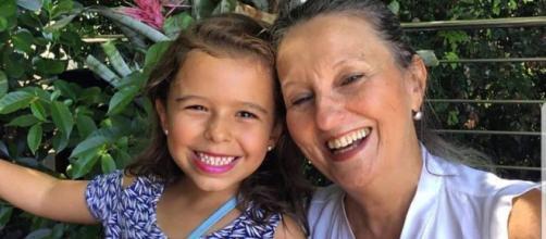 Avó e neta morreram soterradas no táxi. (Reprodução/Redes Sociais)