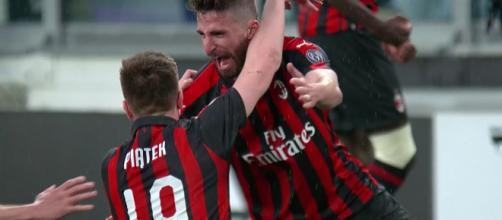 Krzysztof Piątek in goal con il Milan