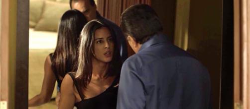 Olavo e Laura em cena de 'O Sétimo Guardião'. (Reprodução/Rede Globo)