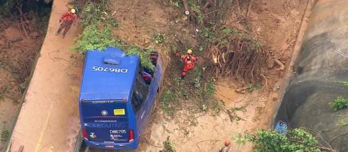 Tempestade mata pessoas no Rio de Janeiro. (Reprodução/TV Globo)