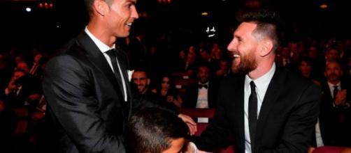 La provocazione dalla Francia: Messi vorrebbe raggiungere Ronaldo a Torino (RUMORS)