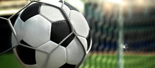 Fiorentina-Milan, l'anticipo di domani sera in tv e in streaming online su Dazn