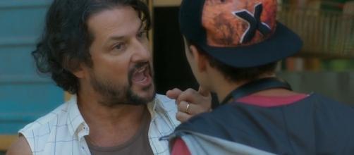 Nicolau sairá impune e faturando com a venda das filhas. (Reprodução/TV Globo)
