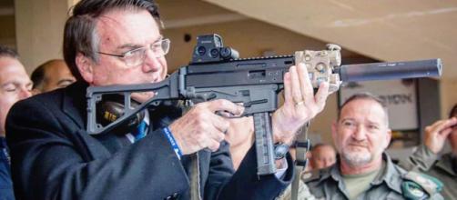O decreto flexibiliza o acesso de menores de idade a clubes de tiro. (Arquivo Blasting News)