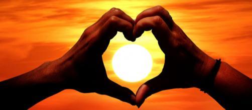 Capture an image of a beautiful sunset. [Image Good Free Photos]