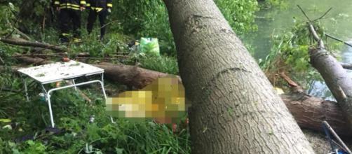 Maltempo, due morti nel bresciano: pescatori travolti da un albero