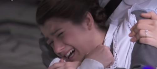Una Vita, trame: Casilda si dispera dopo aver appreso della morte di Martin