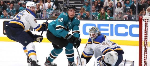 Meier fue el mejor jugador de los Sharks para abrir la Final del Oeste. - abc7news.com