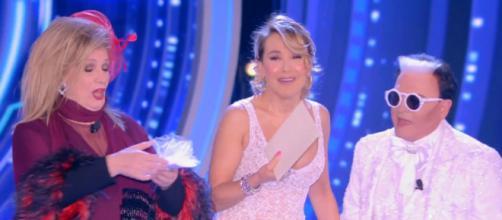 Grande Fratello, Malgioglio prende in giro Pamela Prati: 'Mi sono sposato a Caltagirone'