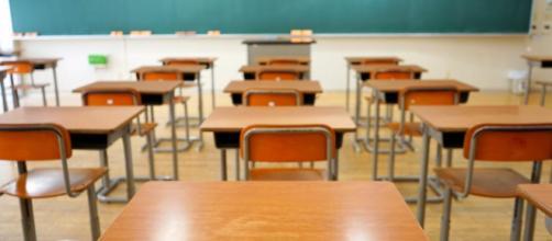 Insegnante di 41 anni al sesto mese di gravidanza, si è sentita male in classe ed è morta poco dopo.