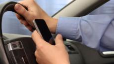 Codice della Strada e cellulare mentre si guida: telecamere su volanti e multe differite