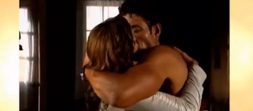"""Valentina e José Miguel se beijam em """"A Dona"""". (Arquivo Blasting News)"""