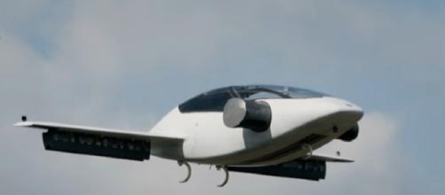 Lilium the world's first Electric Vertical Take Off and Landing Jet. [Image source: Mega News/YouTube/Screencap]