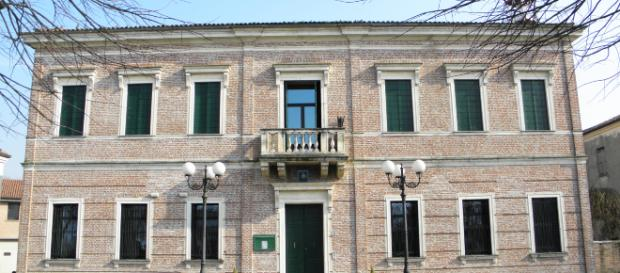 A Sant'Urbano, Padova, corpi di madre e zio nella legnaia: nessuno si era accorto di nulla finché dal Comune è partito un accertamento.