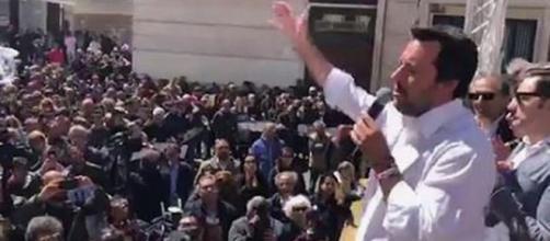 Matteo Salvini torna a parlare tramite una diretta Fb