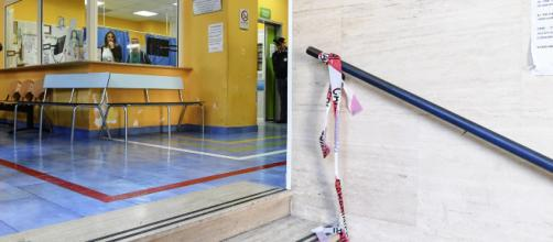 Napoli, la camorra spara in ospedale: 22enne gambizzato