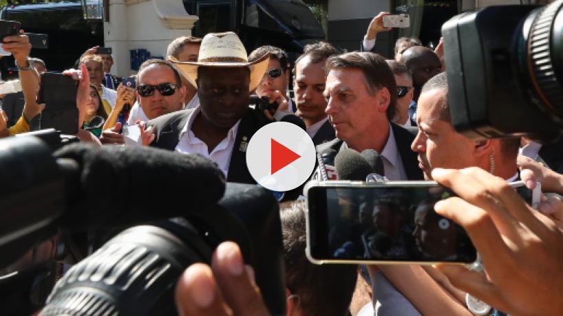 Bolsonaro chama Lula de 'bandido' e afirma: 'querem que eu sofra um impeachment?'