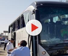 Egitto, esplosione al passaggio di un pullman turistico: 17 feriti al Cairo