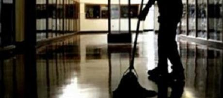Assunzioni Ata stop appalti di pulizia: attesa per il bando, posti solo accantonati