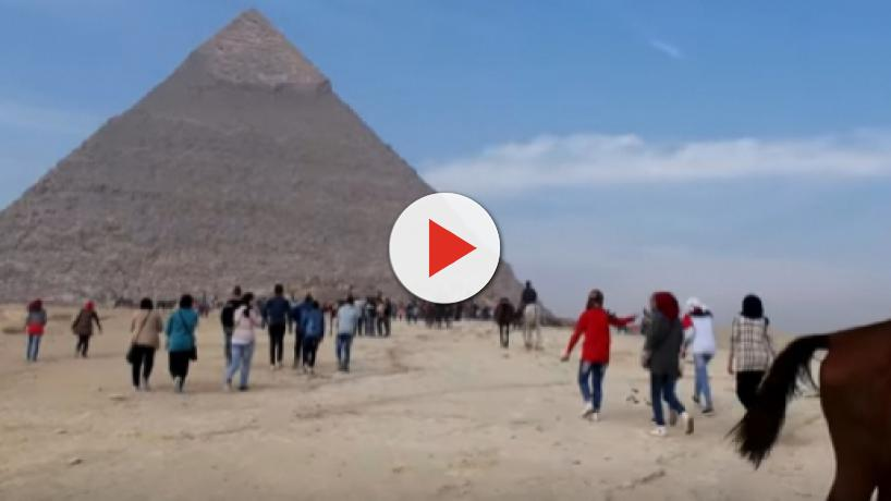 Egypt: Roadside explosion targets a tourist bus near Giza pyramids, leaves 16 injured