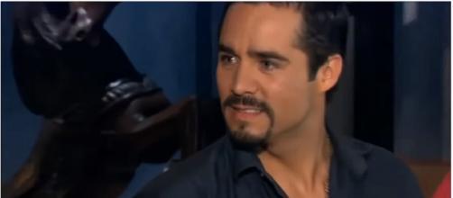 'A Que Não Podia Amar' é exibida de segunda a sexta pelo SBT. (Reprodução/YouTube)