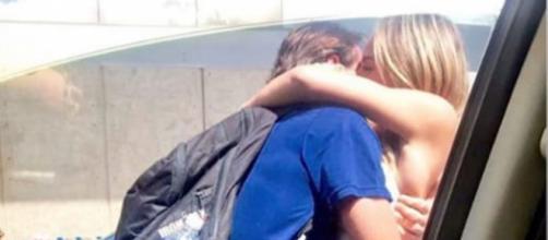 """Campeã do """"BBB19"""", Paula Sperling buscou o """"namorado"""" no aeroporto. (Reprodução/Instagram/@paulasperlingreal)"""