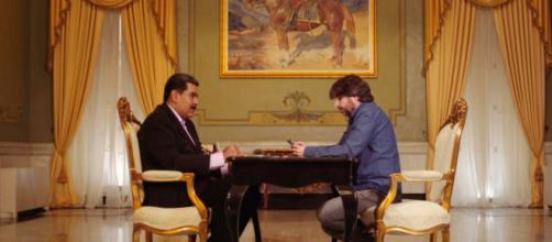 Jordi Évole con Nicolás Maduro en un programa de 'Salvados' del pasado febrero. / ATRESMEDIA