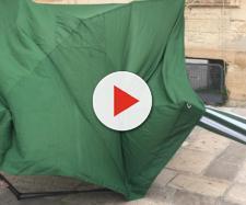 Lecce, assalto ad un gazebo della Lega in piazza, ferita una ragazza