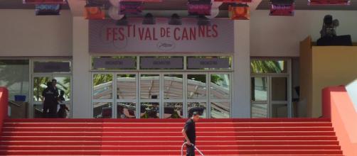 El Festival de Cannes rinde homenaje a Alain Delon
