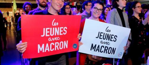 """Les jeunes avec Macron"""" changent d'avis, sous l'œil bienveillant ... - newsbeezer.com"""
