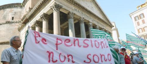 Pensionati bancomat da giugno con i tagli sulle pensioni nette da 3.800 euro al mese.