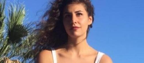 Roma, ragazza 19enne uccide il padre dopo una lite: Procura valuta legittima difesa