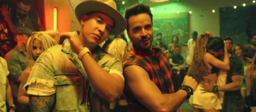 """Cena de clipe da música """"Despacito"""", vídeo com maior número de visualizações no YouTube. (Arquivo Blasting News)"""