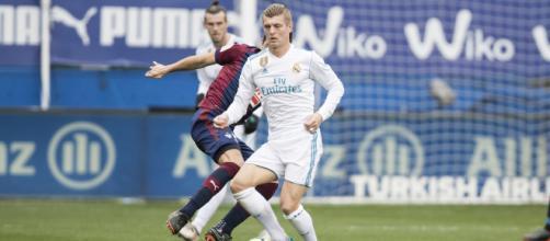 El centrocampista alemán del Real Madrid, Toni Kroos, ha renovado su contrato con el club blanco hasta el 2023