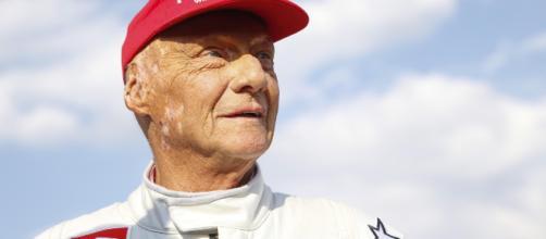 Lauda foi três vezes campeão do mundial de Fórmula 1. (Arquivo Blasting News)
