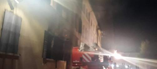 Mirandola, incendio sede polizia municipale: fermato un marocchino, l'ira di Salvini