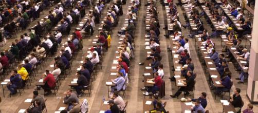 Concorsi scuola, proposta sindacati: 55.604 docenti precari per 25.000 cattedre col PAS.