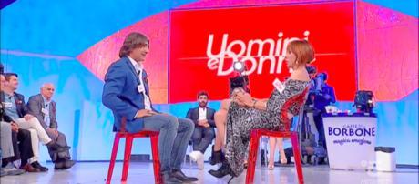 Uomini e Donne: Luisa chiede a Salvio di uscire dal programma, lui dice no