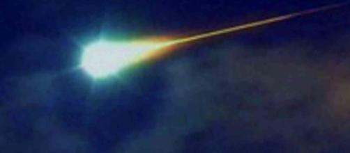 Australia, palla di fuoco nella notte illumina il cielo: forse si tratta di un meteorite