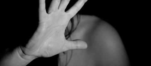Rimini, moglie denuncia il marito: 'Vuole avere sempre rapporti e mi tratta male'