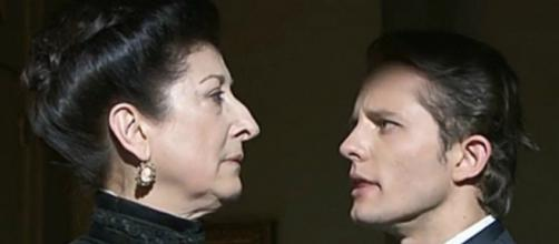 Ursula e Samuel nascondono il piccolo Moises in un convento.