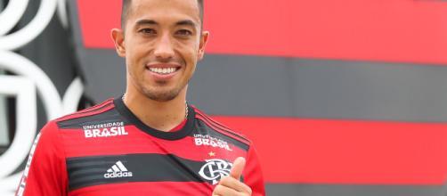 Santos está perto de fechar com Fernando Uribe, do Flamengo. (Arquivo Blasting News)