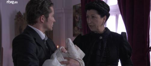 Una Vita, trame: Ursula rapisce il figlio di Blanca con la complicità di Samuel