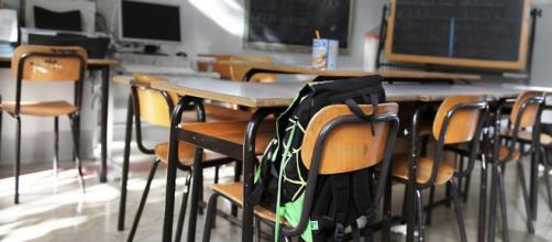 Vercelli, rapporti con le alunne minorenni: indagato un insegnante di scuola superiore