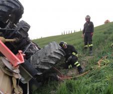 Calabria, 26enne muore in un incidente in campagna. (foto di repertorio)